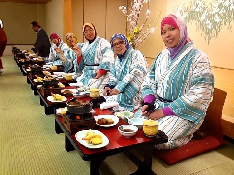 穆斯林遊客在日本入鄉隨俗;樂在旅程中!