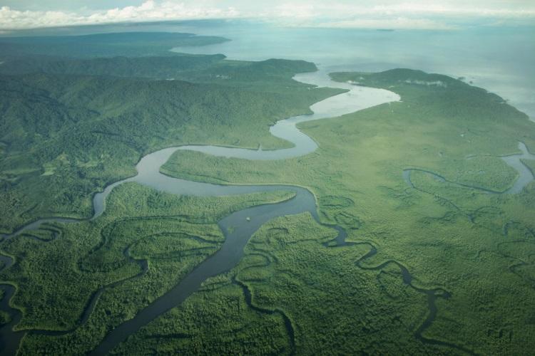 哥斯达黎加的大地是从1949年开始维护下的生态结晶;绿油油的幸福。