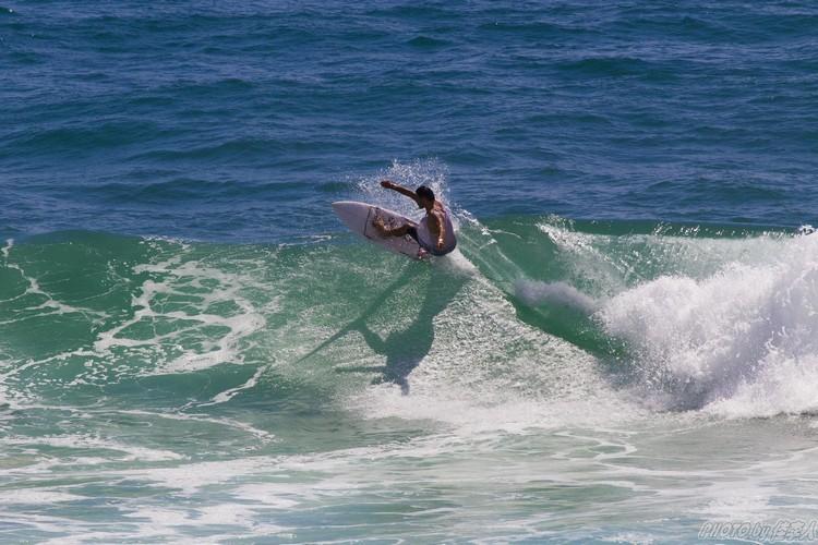 驾权你的冲浪板使出冲浪精神,乘风破浪去吧!