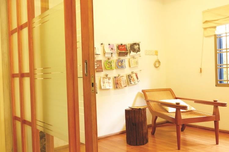 设于大厅右侧的多元用途小厅。除阅读小叙外,也可用作临时卧室。