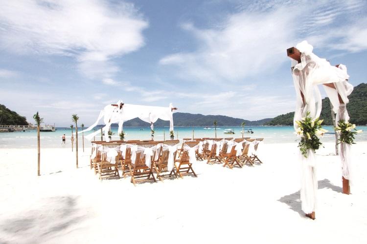 在这里举行一个浪漫的海滩婚礼,一定让人毕生难忘。