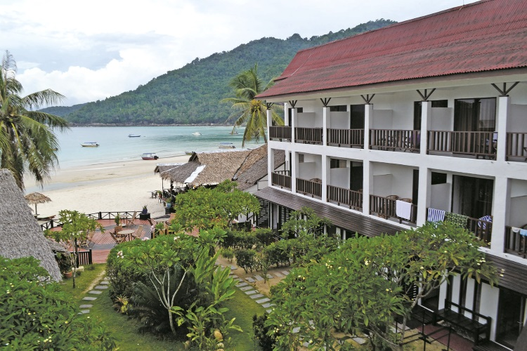 酒店坐落在绝佳的环境里,坐在楼台上喝一杯咖啡,享受风光无限。