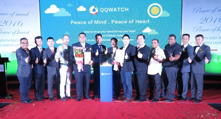 参与发布会的除了有熙彼儿(Sibyl)主席 凯鲁丁(Khairuddin HJ Ahmad,右7)、腾讯Morefun Studio运营总监 Liang Ye Chun (右6)外,安全社会活动队长Balasupramanian(右3),以及拿督斯里尔万拿督哈芝莫哈末塔希(Dato'Sri Dr Erwan Dato'Haji Mohd Tahir,右9)也共同出席。
