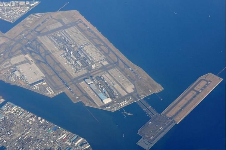 俯瞰日本东京羽田国际机场