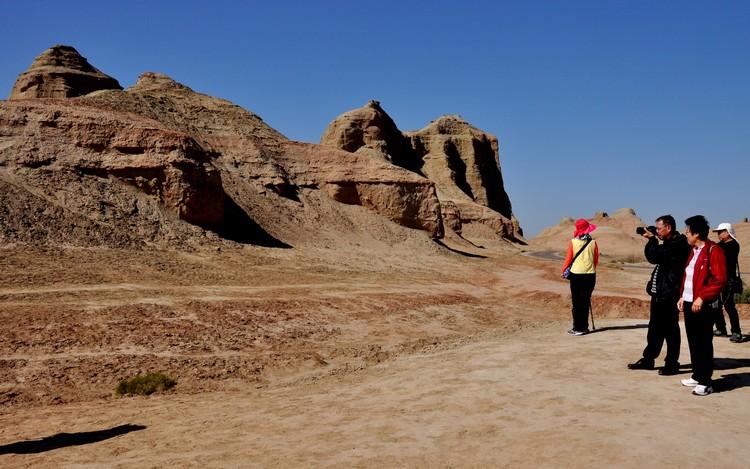 新疆,抹杀菲林的地方。