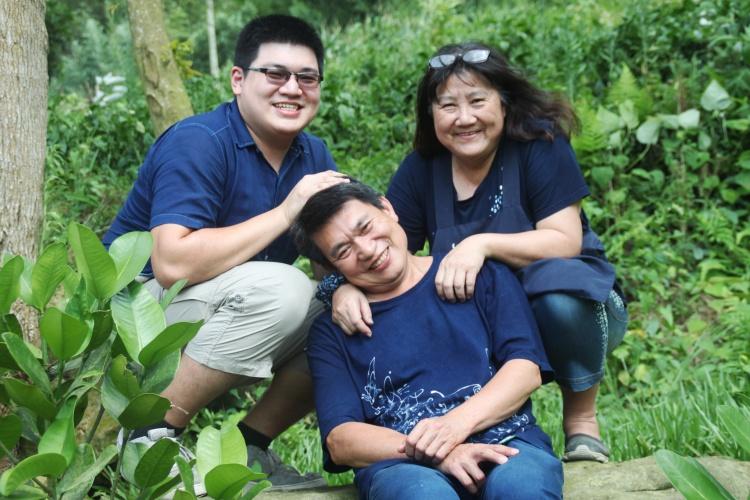 好温馨的一家人!