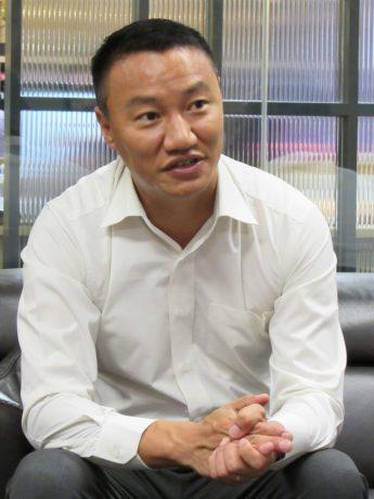 Mr.Ugen 表示,这次的蘋果旅遊包机飞往不丹,在航空事宜上将给予全面的协助。