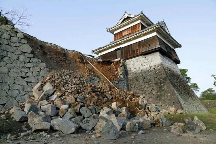 超过500年的老古城熊本城,还听坚固;很快就可以修建好。