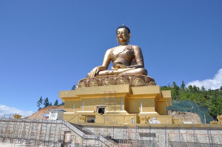 2014年的佛像,当时还在进行修缮。