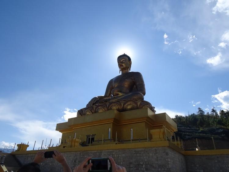 只要取好角度,就能拍摄出不要一样的佛像。