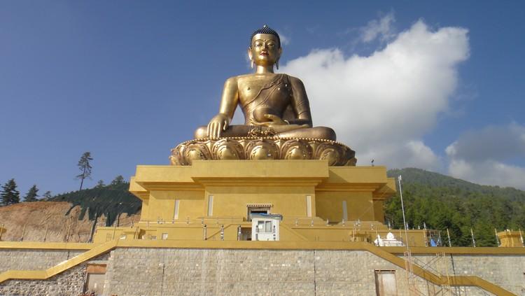 壮观的金刚座释迦牟尼佛像。