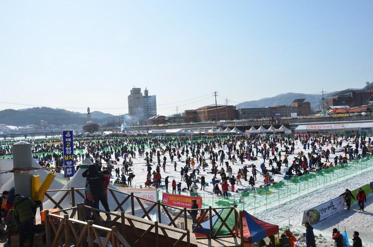 """蘋果旅遊获得华川郡度假指定为""""华川山鳟鱼庆典""""行程安排的旅行社。"""