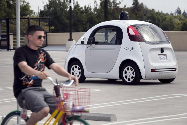 无人驾驶的谷歌环保车,准确无误的帮了人类一把!骑着单车的我,更清楚掌握自己的方向盘,适度调和脚下的力度。
