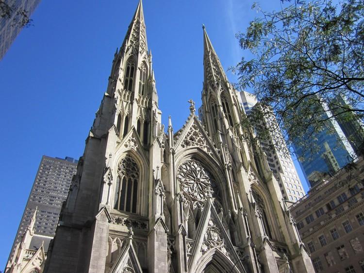 圣帕特里克大教堂是美国纽约市的一座新哥特式天主教教堂。