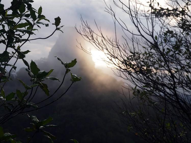 水晶山的晨景。