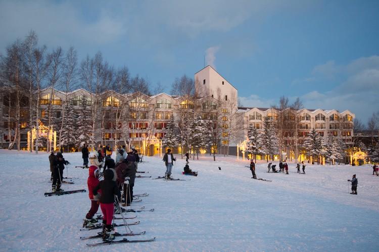 在滑雪度假村感受北海道冬季白雪魅力!