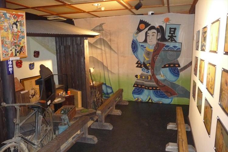 桃太郎的机关博物馆 这是一个有着许多有趣机关的博物馆。里头的商店还能买到各种罕见的桃太郎商品。