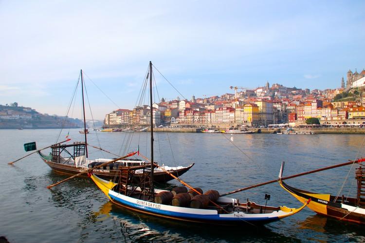 拿来装载葡萄酒桶的barcosrabelos帆船。