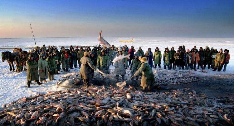 """""""查干湖冬捕""""除了是""""吉林八景""""之一外,还是中国国家级非物质文化遗产。"""