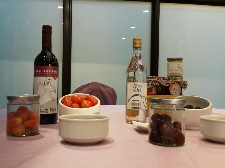 藏酒酒庄的DIY活动让游客体验自己酿酒