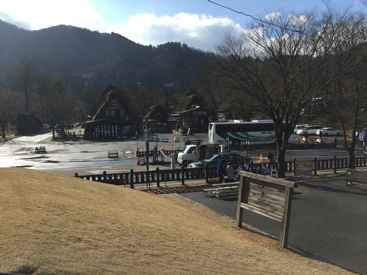 抵达白川乡,无雪!