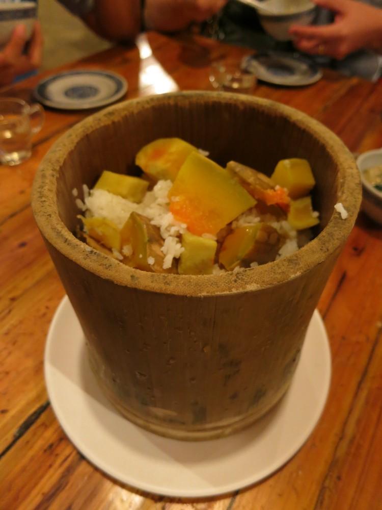 南瓜地瓜饭 平时饭量不多的我,到这里看到这样的搭配,铁定失手。