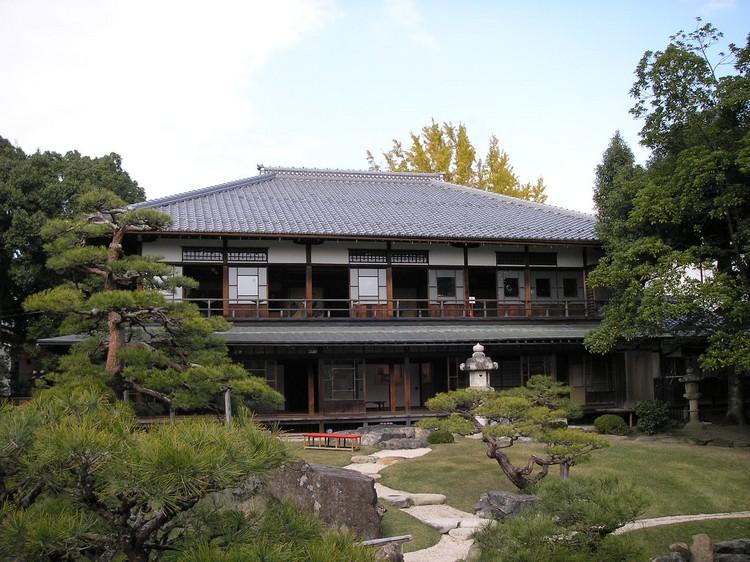 四周幽静的日式庭院