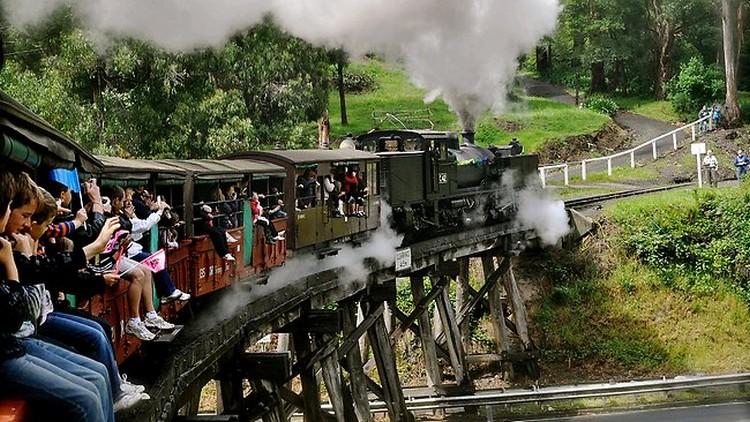 体验芬比利蒸汽小火车