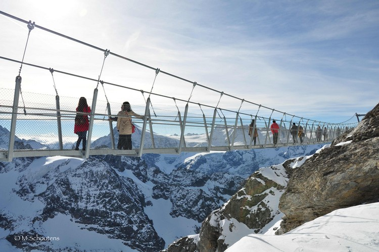 Mt Titlis cliff walk