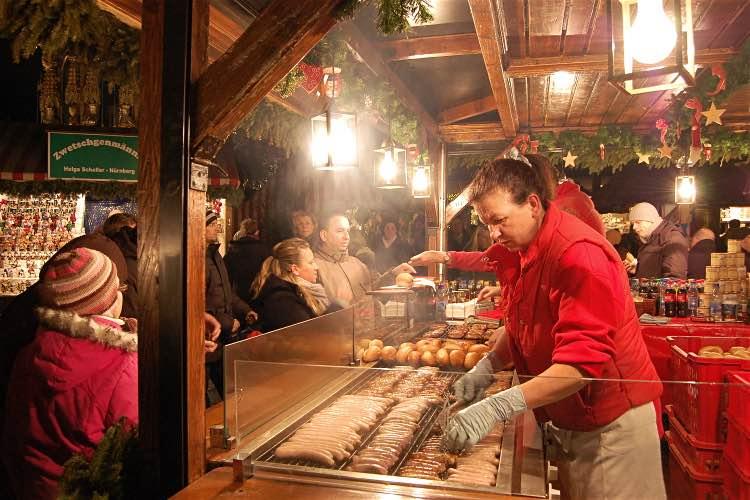 bratwurst-nuremberg-christmas-market-750-cs - Copy