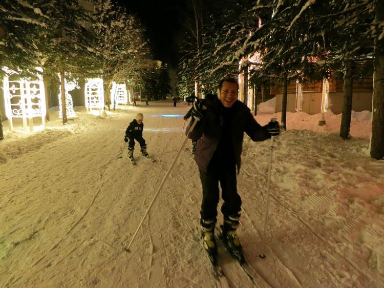 滑雪无论在白天还是夜间都适合进行!