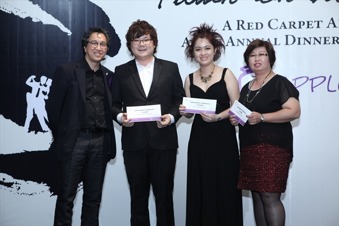 Long-Service-Award-10-years-Martin-TehKANAN-Ally-CheongIT-Wendy-PhangASIA-SALES
