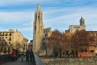 Girona makes an excellent stop-off as part of a tour of Catalonia or escape from the noise and speed of Barcelona or as a long weekend getaway.