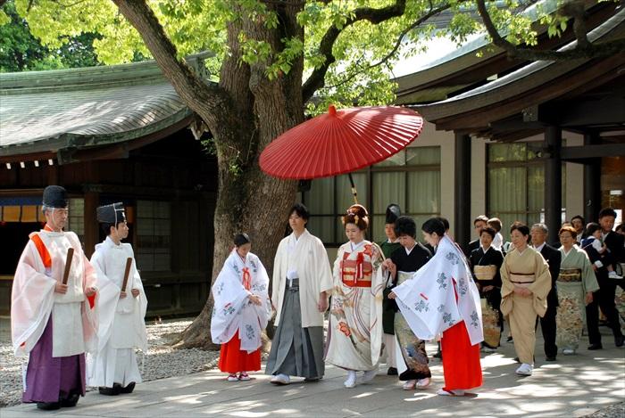 传统日式婚礼进行中