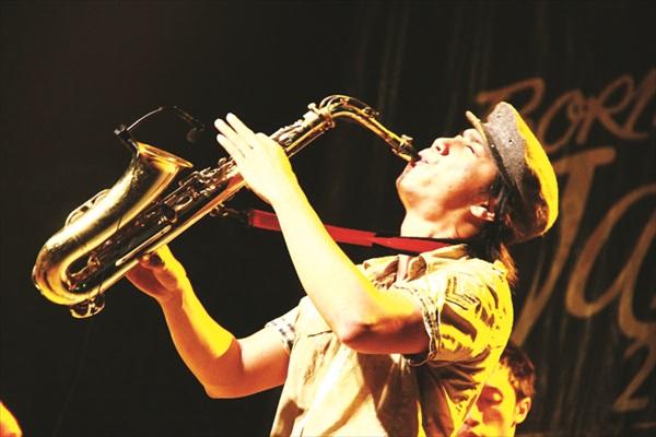 婆罗州爵士音乐节。