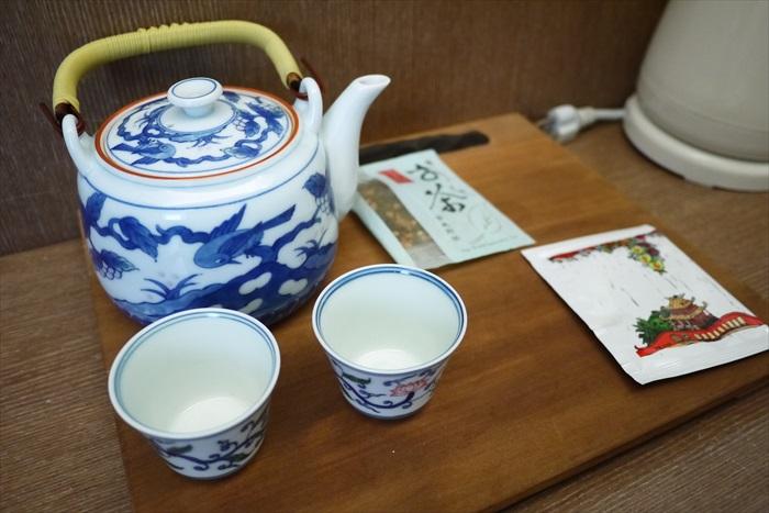 旅店用的茶具都很别致。