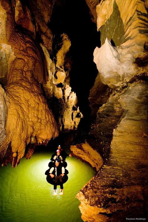 探索充满神秘的地下世界。