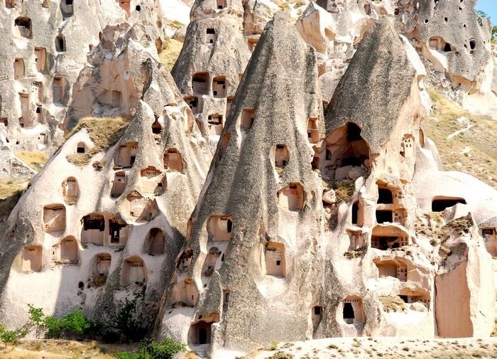乌希萨尔城堡的构造是一个个的洞穴房屋。