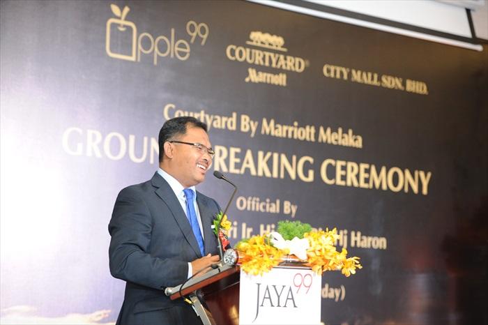 马六甲首席部长拿督斯里依德利斯哈伦(YAB Datuk Seri Ir. Hj Idris bin Hj Haron)致词