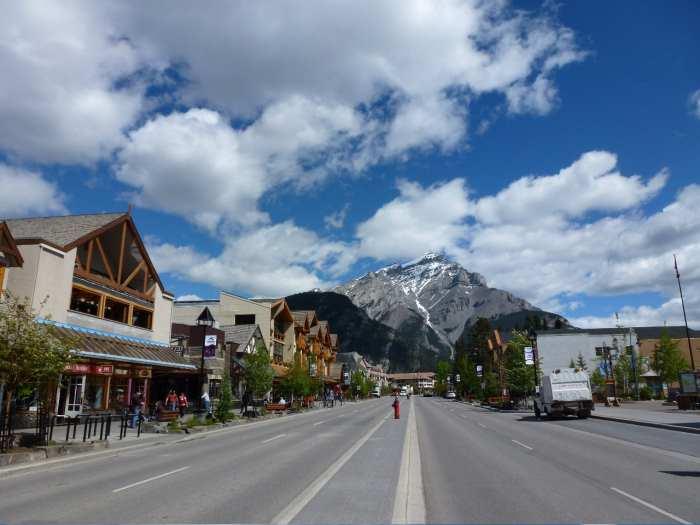 国家公园区域班芙(Banff)小镇的景色怡人。