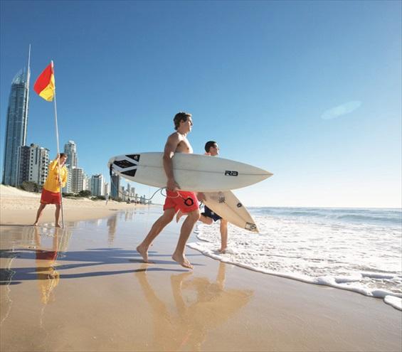 冲浪者天堂全年吸引着冲浪爱好者前来投入它的怀抱。