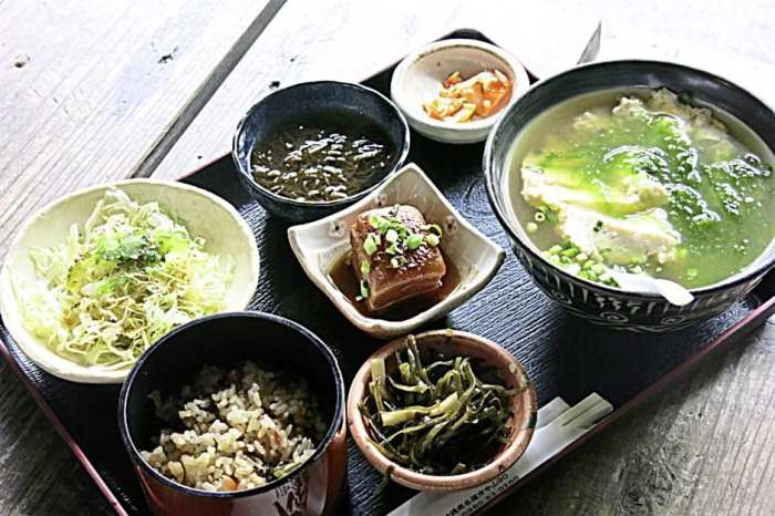 A delicious set meal of Okinawan cuisine at Ufuya Restaurant, a beautifully restored folk house that is over 100 years old.