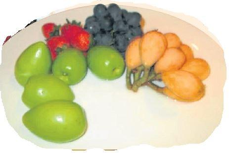 鲜甜的水果少不了。