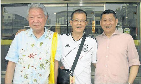 蔡瀾(左起)、本报特派姚泰利和李桑,难得在本次美食团结缘。