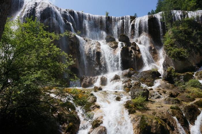 九寨沟的珍珠滩瀑布