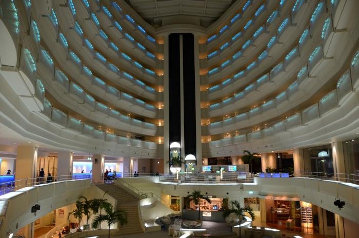 酒店内部设计真会让人感觉像进入邮轮哦!