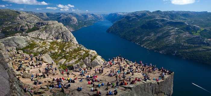 """挪威""""讲堂岩"""":浩然原始与大自然为连,创出""""危机意识论""""! (照片取于网络)"""