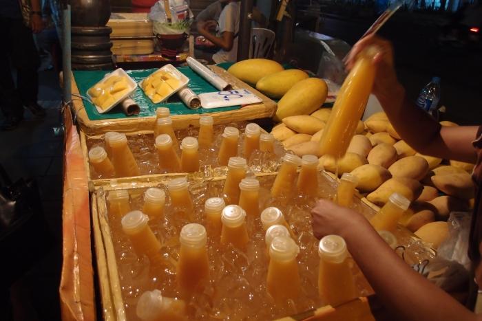 无添加任何糖水,原汁原味的芒果汁!