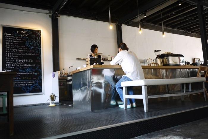 二楼為咖啡轻食区,当欣赏累了,可在此处歇歇脚,喝杯花茶。