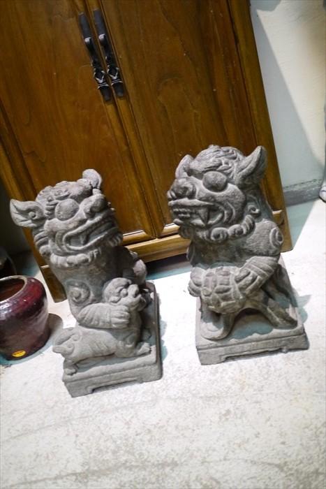 有著300年歷史的石狮是老闆的镇店之宝。